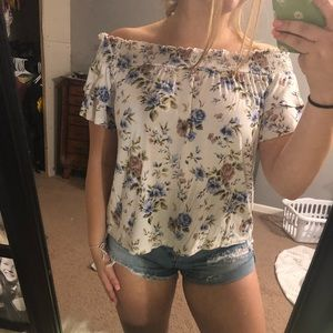 American Eagle Floral Off the Shoulder Shirt